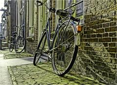 Lightcycle (Hindrik S) Tags: bicycle bike fyts fiets fahrrad rad wall muorre shadow skaad schaduw schatten shade street strjitte strasse straat stien stone brick baksteen stein lonelybicycle sonyphotographing sony sonyalpha α77 sonyilca77m2 slta77ii sony1650mmf28dtssm sal1650 2018