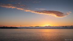 Le jour se lève sur Plougastel (Kambr zu) Tags: brest bretagne erwanach finistere kambrzu landscape lumière radedebrest sea seascape sky tourism elorn pontalbertloupe plougasteldaoulas relecqkerhuon