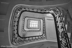 Hamburg - Hirschfeld Haus (peterkaroblis) Tags: hamburg treppenhaus staircase haus house building gebäude innenansicht architektur architecture interiordesign innenarchitektur interieur interiorarchitecture lines curves linesandcurves geometry geometrie hirschfeldhaus schwarzweis blackandwhite