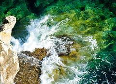 Splash- Formentera, Spain. (D.R°) Tags: spain formentera spagna holiday vacanze mare sea beach green colors nature waves onde rock rocce vacanza acqua