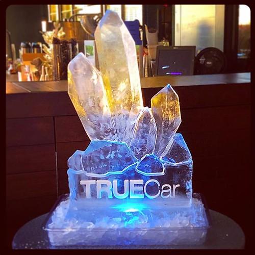 Any icy display on a beautiful day! @hotelvanzandt #fullspectrumice #icesculpture #holidayparty #thinkoutsidetheblocks #brrriliant #logo - Full Spectrum Ice Sculpture