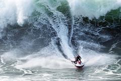 GARRET McNAMARA / 3633NBW (Rafael González de Riancho (Lunada) / Rafa Rianch) Tags: surf waves surfing olas sport deportes sea mer mar nazaré vagues ondas portugal playa beach 海の沿岸をサーフィンスポーツ 自然 海 ポルトガル heʻe nalu palena moana haʻuki kai olahraga laut pantai costa coast storm temporal