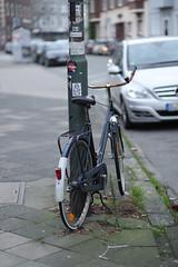 bokeh 2@Bilk, Düsseldorf (Amselchen) Tags: bike bicycle bokeh blur dof depthoffield street germany canon ef85mmf18usm canoneos6dmarkii