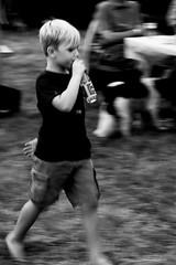 Run boy run. (ost_jean) Tags: bw people nikon d5200 7003000 mm f4563 ostjean effect boy child jongen kind