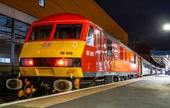 90028 'Sir William McAlpine' at Doncaster. (Michael 43123) Tags: br british rail railway brel engineering limited class 90 elecric locomotive 90028 db lner london northen eastern mk4 intercity service doncaster station ecml