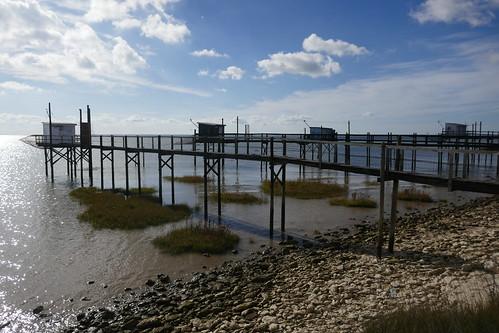 Les carrelets de Port-Maran, baie de Talmont, Charnet-Maritime, Saintonge, Nouvelle-Aquitaine.