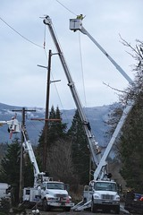 Swan Road in Mt Vernon (Puget Sound Energy) Tags: swan road repair outage power pole lines wind storm puget sound energy pse crews mtvernon