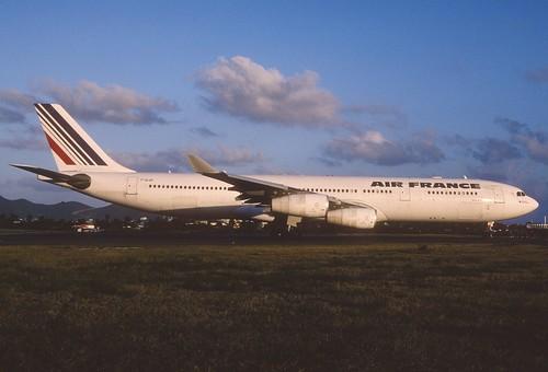 282aq - Air France Airbus A340-313X; F-GLZP@SXM;04.03.2004