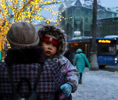 Let's go home (RuLibre) Tags: street winter kid people russia moscow