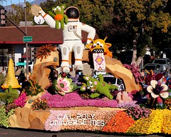 Cal Poly Universities (Prayitno / Thank you for (12 millions +) view) Tags: outofthisworld outer space astronaut communication music cal poly california polytechnic university pomona slo san luis obispo tournament roses rose parade pasadena 2019 new year float floral decoration colorful fun outdoor activity day time sunny