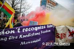 Demonstration: Der Wunsch nach Freiheit lässt sich nicht verbieten! – 01.12.2018 – Berlin - IMG_0012 (PM Cheung) Tags: 25jahrepkkverbot ypg kurden polizei polizeigesetze berlin derwunschnachfreiheitlässtsichnichtverbieten derwunschnachfreiheitlässtsichnichtverbietengemeinsamgegenpolizeigesetze pkkverbotundnationalismus bundesweitedemonstration interventionistischelinke kurdistan rojava türkei 01122018 demonstration demo pag polizeiaufgabengesetz kurdendemonstration pmcheung protest repression überwachung bundesinnenministerhorstseehofer kundgebung 2018 protestfotografie pomengcheung mengcheungpo auftaktkundgebung wwwpmcheungcom aufhebungpkkverbot afd facebookcompmcheungphotography polizeistaat arbeiterparteikurdistans protestveranstaltung rotehilfeev partiyakarkerênkurdistanê ernk bundesinnenministerrudolfseiters auseinandersetzungen rangeleien diepkkgehörtzudeutschland serihilde