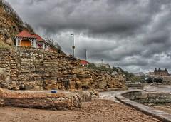 Cliffs at Scarborough!😀 (LeanneHall3 :-)) Tags: groupenuagesetciel scarborough cliffs beach seashore seascape sky skyscape grey white clouds talkativeclouds cloudsstormssunsetssunrises landscape canon 1300d