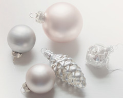 a few new baubles (Beverly LC) Tags: 2018 helios582 xe2 ornaments pastel