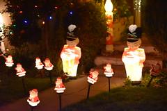 DSC_4870 (earthdog) Tags: 2018 needstags needstitle nikon nikond5600 d5600 18300mmf3563 christmas decoration light christmaslight sanjose willowglen