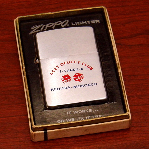 Dating vintage Zippo lightere