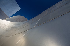 Wave (Katka S.) Tags: usa los angeles walt disney concert hall modern architecture detail sky from below silver