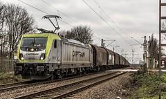 27_2019_01_16_Gelsenkirchen_Bismarck_6187_011_CTD_CAPTRAIN_mit_Coil-_und_Kohlezug_und_6185_501_CDT ➡️ Herne_Abzw_Crange (ruhrpott.sprinter) Tags: ruhrpott sprinter deutschland germany allmangne nrw ruhrgebiet gelsenkirchen lokomotive locomotives eisenbahn railroad rail zug train reisezug passenger güter cargo freight fret bismarck bottropsüd ctd captrain db hctor hhpi 0632 1266 1232 1261 6152 6185 6187 6241 class66 vtgch rb42 hochspannungsmast kraftwerk herne dorsten dortmund logo natur outdoor graffiti