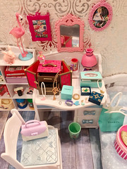 Every girl needs a jewelry box, too. (♥ KRIN ♥) Tags: rement littletwinsstars licca doll dollhouse furniture