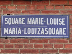 Square Marie-Louise (seikinsou) Tags: brussels belgium bruxelles belgique summer midsummer square marielouise dusk sign street oldfashioned