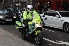 BX66 HHD (Ben - NorthEast Photographer) Tags: metropolitan police met london bmw f800 firearms motorbike arv armed response vehicle motorcycle trafalgar square 66plate bx66 hhd bx66hhd