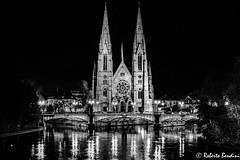 Eglise de Saint Paul by night (Roberto Bendini) Tags: nuit notte luce light night canal paul saint chiesa eglise church france francia alsace alsazia strasburgo strasbourg canon christmas natale mercato market marché europa europe