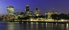 London Skyline (FH   Photography) Tags: skyline themse gebäude architektur wolkenkratzer tower büros stadt city gb england brexit ufer uk europa grossbritannien london abends bauestunde wahrzeichen