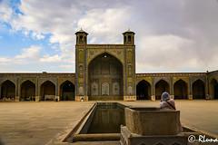 SHIRAZ (RLuna (Instagram @rluna1982)) Tags: irán persia parsi orientemedio desierto photo rluna rluna1982 viaje travel vacaciones instagramapp canon persépolis arte cultura patrimoniodelaunesco patrimoniodelahumanidad mezquita mezquitarosa shiraz mezquitavalkil