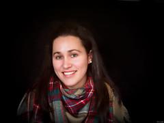 Victoria (Luicabe) Tags: cabello enazamorado estudio femenino fondonegro gente interior luicabe luis mujer persona posado retrato sonrisa yarat1 zamora zoom