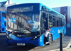 Bluestar 2755 is resting on Castle Way before leaving on route 9 to Hythe and Langley. - HF66 DPY - 19th October 2018 (Aaron Rhys Knight) Tags: bluestar 2755 hf66dpy 2018 gosouthcoast southampton enviro200mmc