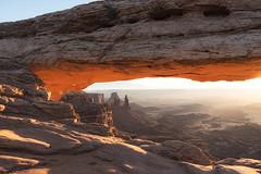 Mesa Arch Sunrise (leogogo1023) Tags: sunrise mesaarch canyonland d750 arch glow