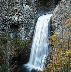 Ray-Pic (Yandesbois) Tags: ardeche rolleiflex rolleiflex28f analog filmphotography paysage cascade waterfall orgue orguedebasalte basalte