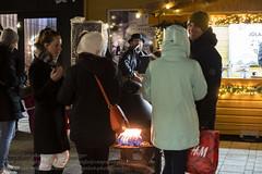Weihnachtsmarkt in Reykjavik (Agentur snapshot-photography) Tags: feiertage weihnachten christmasseason vorbereitungen geschäft shop shops stand stände marktstand markt märkte verkauf verkaufsstand verkaufsstände handwerk kunsthandwerk island iceland isländisch isl reykjavíkurborg jahreszeiten winter wintertime personen 08003000 bevölkerung christmas vorweihnachtszeit advent adventszeit weihnachtsbaum christbaum christmastree weihnachtsbrauch brauch bräuche tradition gebräuche brauchtum weihnachtseinkauf weihnachtsmarkt marktbude weihnachtszeit weihnachtsschmuck abend abendlich abends evening abendlicht abenddämmerung abendstimmung dämmerungsaufnahme dämmerung abendämmerung dawn dusk twilight hafnarfjörður