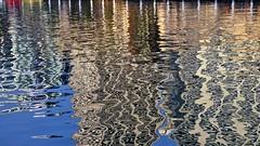 Wasserspiegelungen (Sanseira) Tags: australien australia wasser water spiegelungen hochhäuser hafen darling harbour