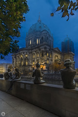 Berliner Dom [DE] (ta92310) Tags: travel europe germany allemagne automne autumn 2018 berlin longexposure bluemuseum architecture museum musee island ile deutschland berlinbrandebourg dom cathedrale cathedral protestante néorenaissance fernsehturm mitte uferpromenade