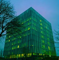 Aberdeen University Library 38 (Golux.) Tags: aberdeen scotland university library sirduncanrice tree trees blue sky reflection light glass
