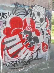 114 (en-ri) Tags: jazz 13 9 teschio skull knife coltello bianco nero rosso parco dora torino wall muro graffiti writing