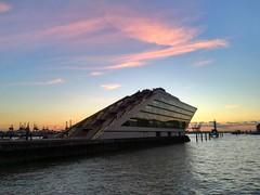 Hamburg Dockland (♥ ♥ ♥ flickrsprotte♥ ♥ ♥) Tags: hamburg hafen dockland natur sonnenuntergang calumet fotomesse altona