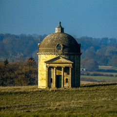 Cotswold temple (Oxford Murray) Tags: temple palladian oxfordshire oxfordmurray november autumn architecture picturesque peaceful greatbarrington cotswolds countryside
