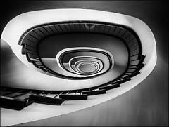 - Spirale - (antonkimpfbeck) Tags: hamburg treppenauge treppen staircase spiralstair architektur art monochrome bw fujifilm