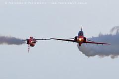 8667 Synchro pass R6 incoming (photozone72) Tags: raf rafat redarrows reds redwhiteblue hawk scampton lincolnshire aviation aircraft jets canon canon7dmk2 canon100400f4556lii 7dmk2