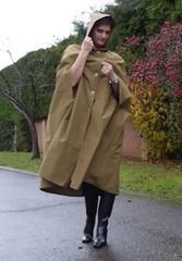 be-14bb96955001ac57ac78ea7ef7e0d17 (rainand69) Tags: cape umhang cloak pèlerine pelerin peleryna regencape regenumhang raincape rubbercape capecaoutchoutée