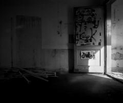 C 10 (andi_heuser) Tags: urbanexploration lostplaces gebäude building fabrik factory architektur architecture verlassen abandoned alt old zerstört destroyed film analog analogue schwarzweiss blackwhite schwarzweissfilm ilford ilforddelta3200 6x7 120 andiheuser