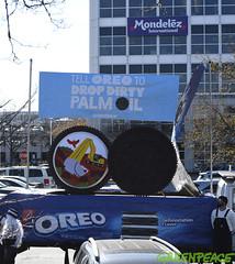 Oreo Deforestation Chicago Message (Greenpeace USA 2016) Tags: forest deforestation globalwarming climatechange palmoil oreo nabisco mondelez chicago illinois activist truck deerfield usa