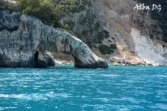 Arco de Cala Goloritzé en Baunei, Cerdeña (Italia) (albadgr) Tags: arco cala playa beach mar sea goloritzé cerdeña baunei sardinia sardegna italia italy paradise paraíso arc orosei