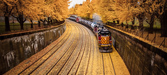 AVR 2005 Pano-Rama Vision (benpsut) Tags: avr alleghenyvalleyrailroad cppenn fortwayneline ns nsfortwayneline norfolksouthern penn pittsburgh westpark autumn fall locals railroad trains trench yellow yellowbrickroad