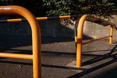 20181121_RX_00570 (NAMARA EXPRESS) Tags: street fence pipe parking yellow daytime autumn fall fine outdoor color landscape toyonaka osaka japan sony rx0 dscrx0 carlzeiss tessar t 424 namaraexp