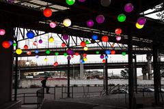 colori e grigio (duegnazio) Tags: italia italy lazio roma rome duegnazio canon40d sanlorenzo tangenzialeest persona streetphotography globi