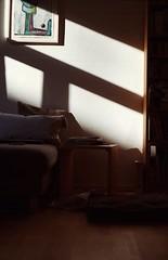 sunlight in the living room (anton.jacek) Tags: minolta x700 50mm rokkor kodak ultramax iso400 35mm colour film home interioir sunlight shadow light