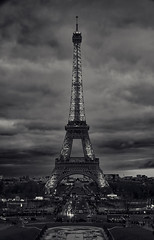 Clouds over Paris (Steffen Faradi) Tags: france fra paris europe europa frankreich eiffel toureiffel eiffelturm blackandwhite bw clouds dark sonya7riii