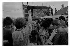 H40-7 Rock Against Racism 1978 (hoffman) Tags: protest racistsantiracists rockagainstracismconcert rar lmhr punk youth concert music antinazileague antiracist politics political anl victoriapark activism fashion style punks clothing dress young rebellious 181112patchingsetforimagerights davidhoffman wwwhoffmanphotoscom